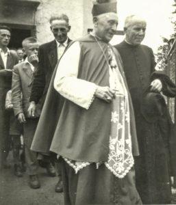 Jozef Čársky už ako biskup na slávnosti v Ovčom, 28.júna 1959