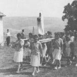 Pútnici k sv.Anne v polovici 60.rokov.