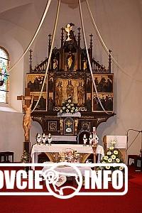 Hlavný oltár v Hermanovciach